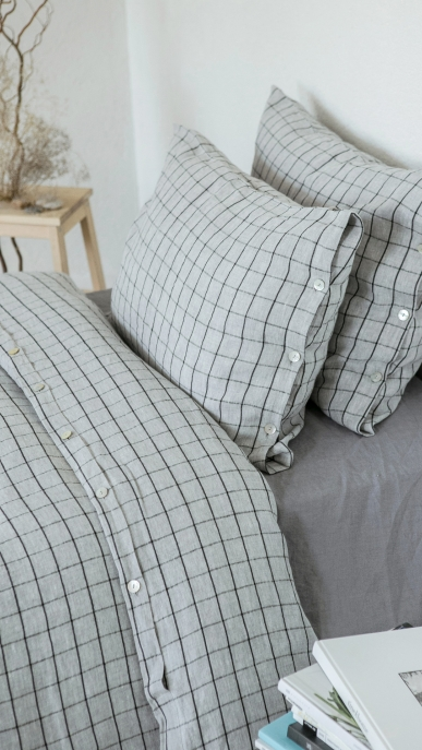 bed-linen-art-ll518t-100-linen-grey-with-black-checks-pillowcase-50x70-duvet-cover-140x200-with-buttons-2_1573556528-68b805cccaab7ec2af8cb4f55afaa1cf.jpg