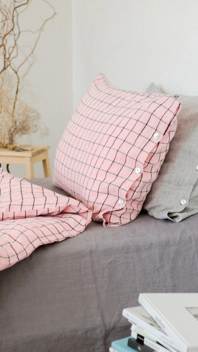 bed-linen-art-ll518t-100-linen-pink-black-checks-pillowcase-50x70-duvet-cover-140x200-with-buttons-2_1573556614-dde635cdb398393a6855ac5ccfb3d0ff.jpg