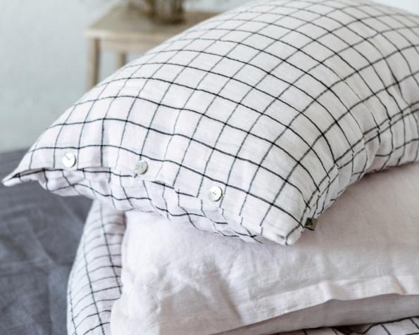 bed-linen-art-ll518t-100-linen-rose-black-checks-pillowcase-50x70-with-buttons-ll520t-100-linen-rose-pillowcase-50x70-oxford_1573556709-19ead768910e58b710f51b22e2e2323f.jpg
