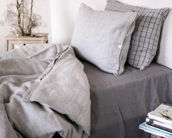 bed-linen-art-ll519t-100-linen-grey-pillowcase-50x70-oxford-duvet-cover-140x200-pillowcase-50x70-ll518t-grey-with-black-checks-with-buttons_1573556782-6d9a34ae47f0012d80625f2f28f020f2.jpg
