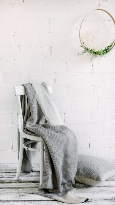 blanket-art-ll093dt-ll047t-natural-grey-150x200-pillow-cover-50x50_1573559402-2dbe78976c46bb740409e2721e8e2cf4.jpg