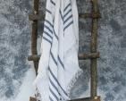 hamam-with-fringes-ll09dt-100-linen-white-blue-115x210_1573652425-8ca62bf468faf462d00fdc40ec8eea37.jpg