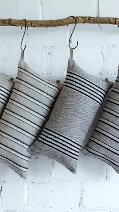 sauna-pillow-art-ll165-ll166-100-linen-natural-black-stripe-with-filling-23x47-sauna-pillow-art-ll165j-ll166j-100-linen-black-natural-stripe-with-filling-23x47_1573723325-1fbd5c0b3d7effbd75d6aa1bba7c955c.jpg