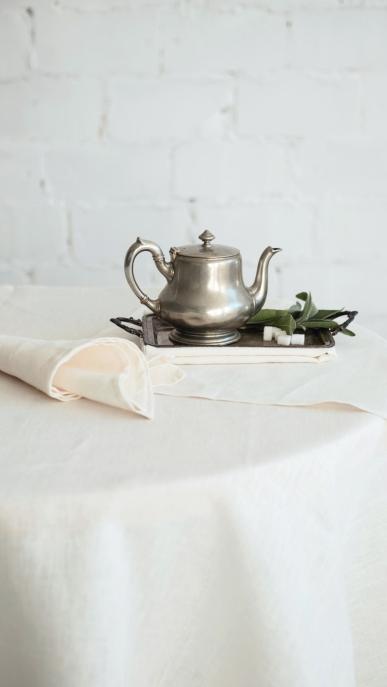 tablecloth-napkin-art-ll10f-100-linen-mod-1-white-210x210-45x45-1_1573477509-4cec0e8302ea28167d1fc3087e61fafd.jpg